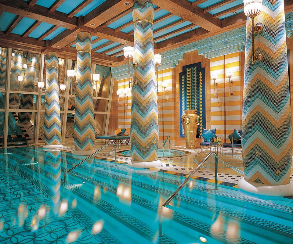 Andiamo in piscina Burj Al Arab Dubai