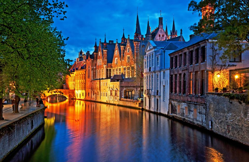 Canal in Bruges Belgio