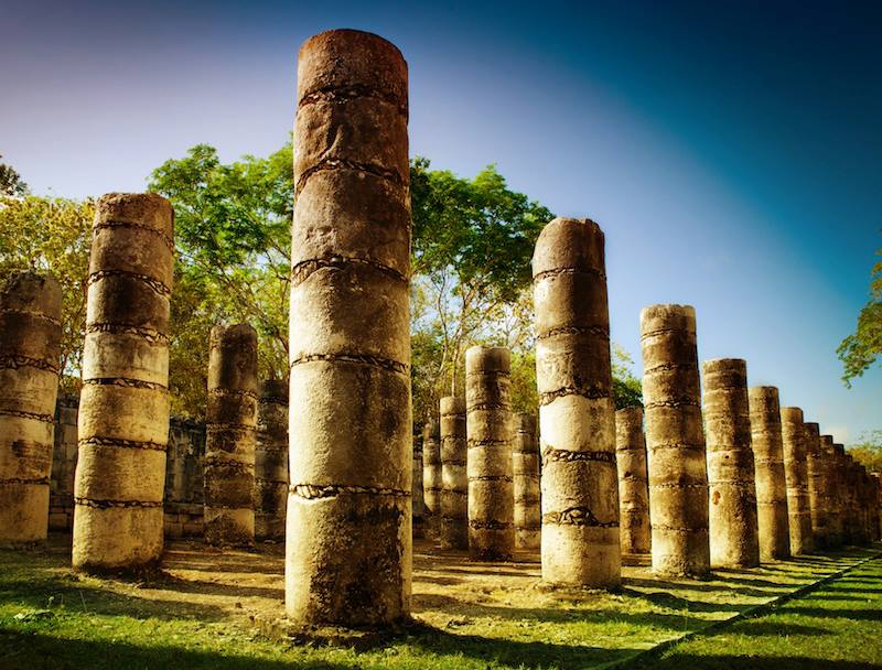 Columns in the Temple of a Thousand Warriors Messico