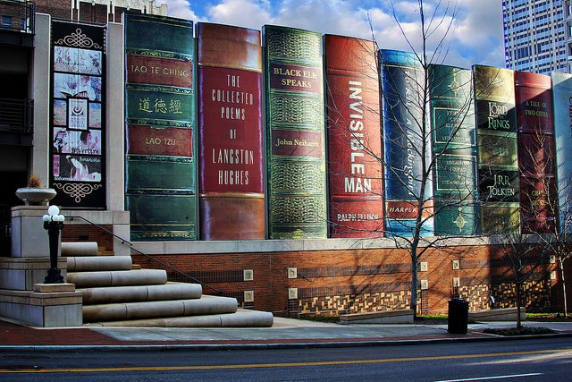 Oggi viaggiamo fra i libri