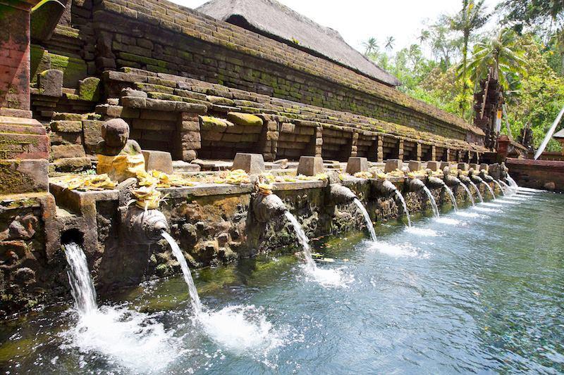 Puru Tirtha Empul Bali