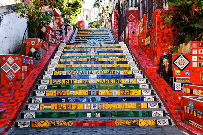 Rio de Janeiro Famosa opera dellartista cileno Jorge Selaron che ha dichiarato il mio omaggio al popolo brasiliano