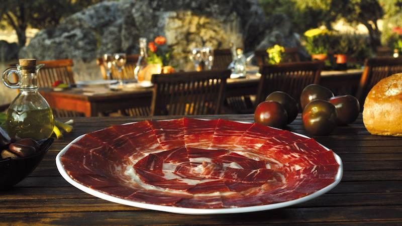 Se volete accomodarvi Pata Negra in arrivo Buon appetito da Siviglia