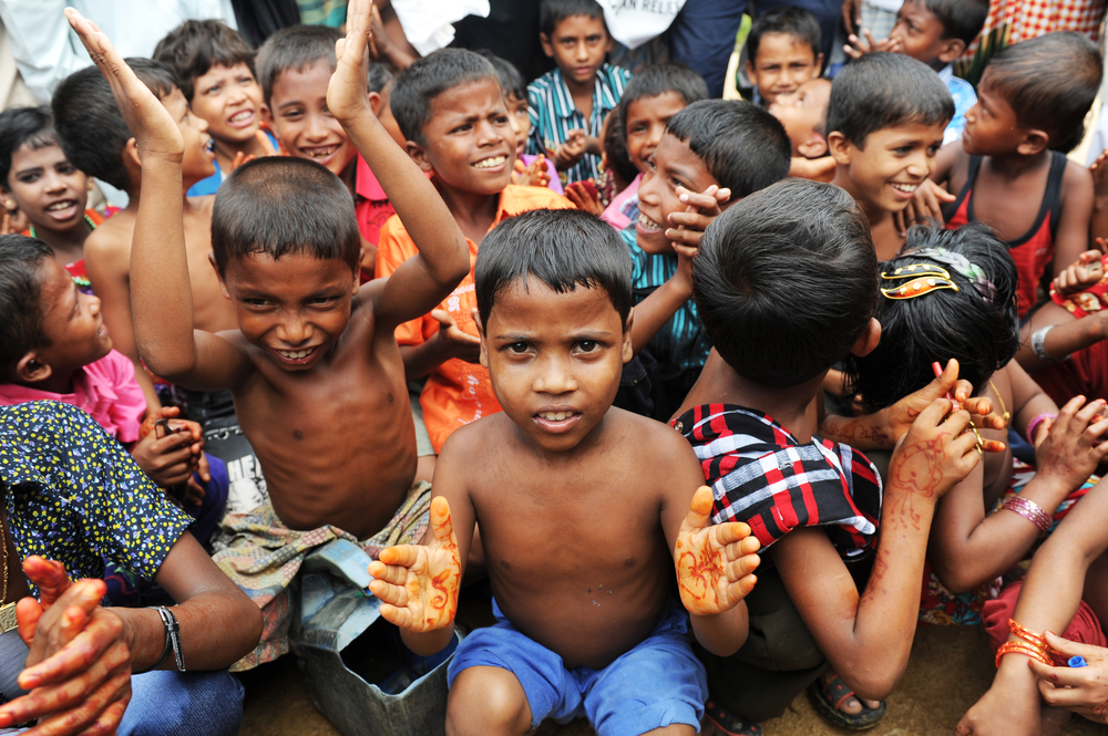 Bangladeshi refugee children and women from Arakan go through a hard time in camps