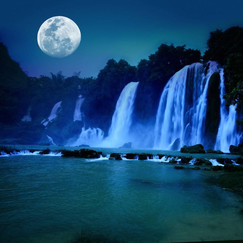 Banyue or Ban Gioc waterfall along Vietnamese and Chinese board