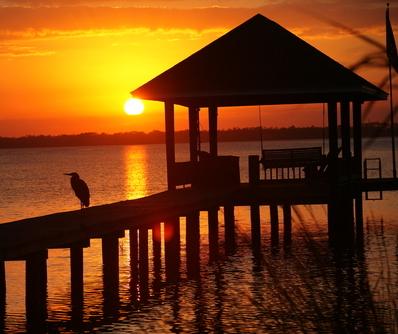 Beautiful Florida Sunset behind Pier