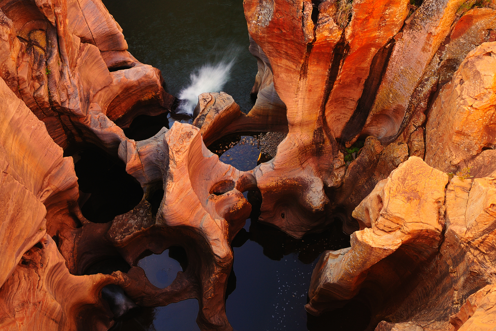 Blyde River CanyonSouth Africa Mpumalanga Summer Landscape red rocks and water 9