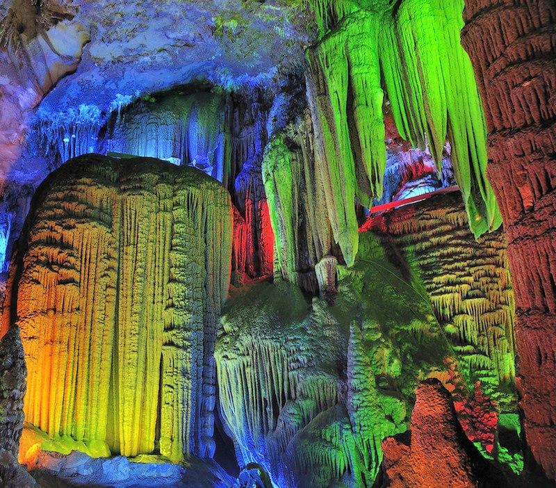 Cave Nguom Nago Vietnam_n