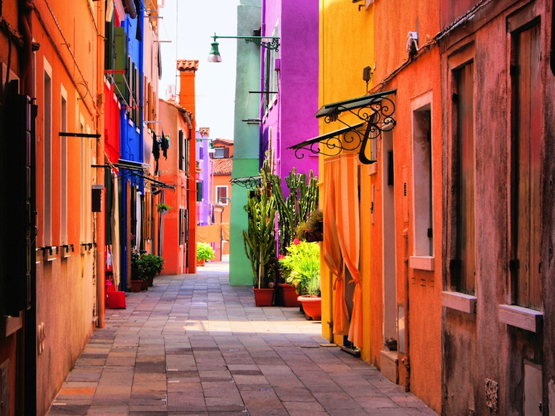 Colorful street in Burano near Venice7jpg