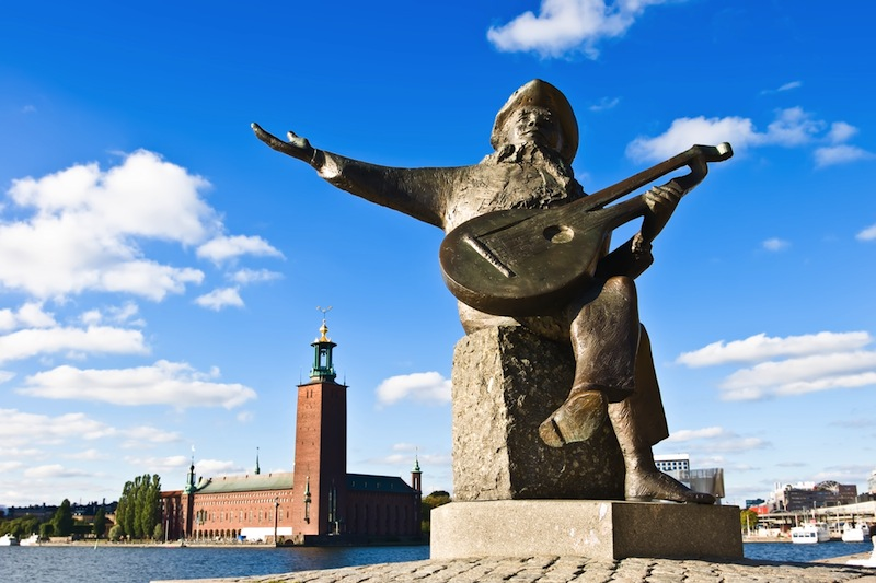 Evert Taubes terrass and Stockholm city hall in summer