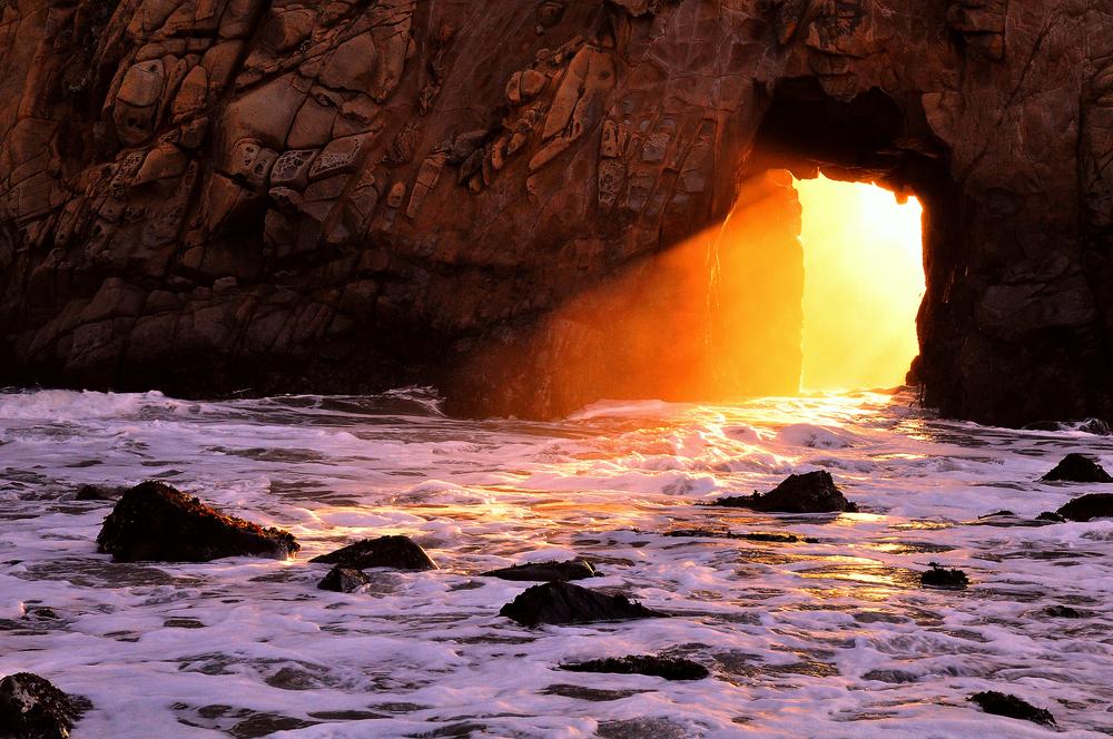 Pfeiffer beach viola spiaggia