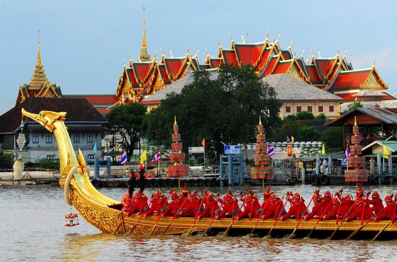 Royal Barge Suphannahongsewat phra kaewbangkok Thailand