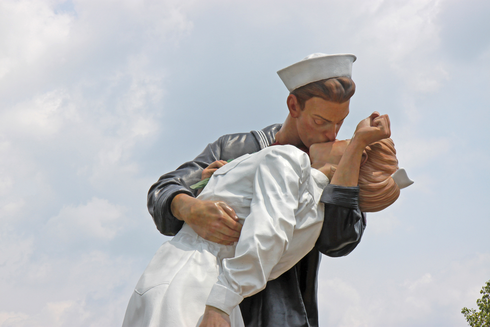 SARASOTA Florida MAY 23 The statue titled Unconditional Surrender in the center of Sarasota Florida on May 23 2011
