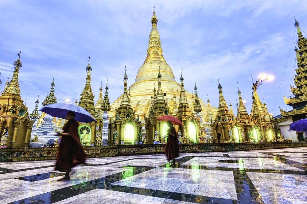 Shwedagon PagodaGreat Dagon Pagoda in Yangon Myanmar in the morning birmania