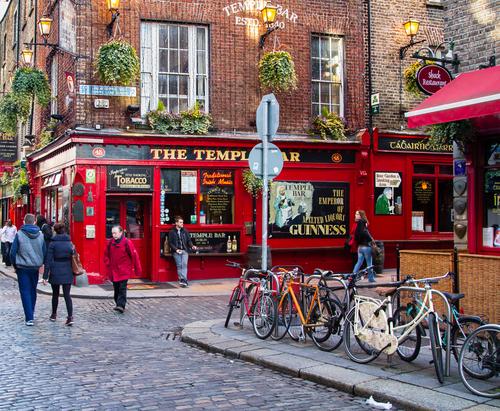Street scene in Dublin Ireland irlanda