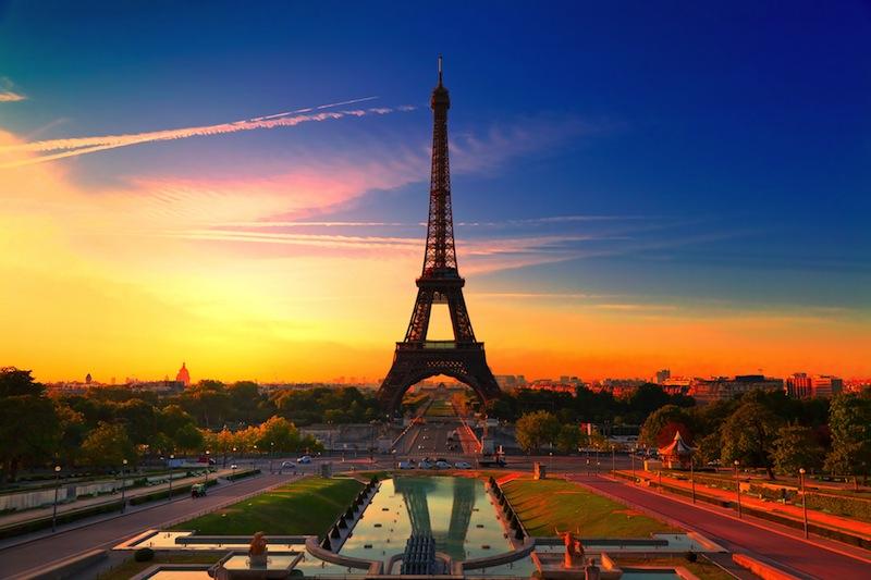 Sunrise in Paris with the Eiffel Tower jpg