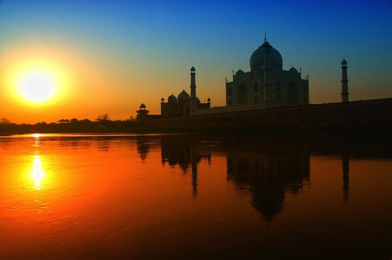 Taj Mahal sunrise r