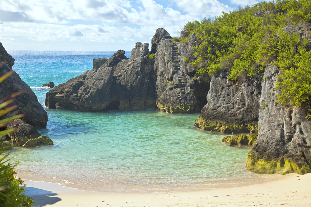 The beautiful secluded romantic Jobson Cove Beach on the south side of Bermuda