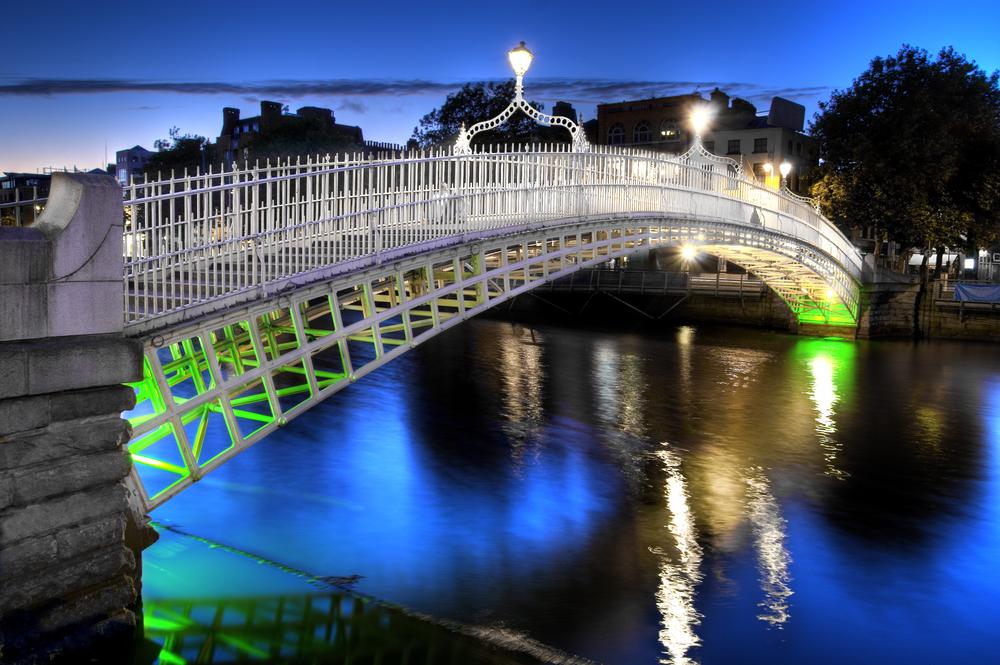 The hapenny bridge in Dublin Ireland at night