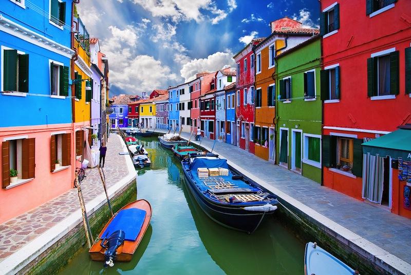 Venice Burano island canal9