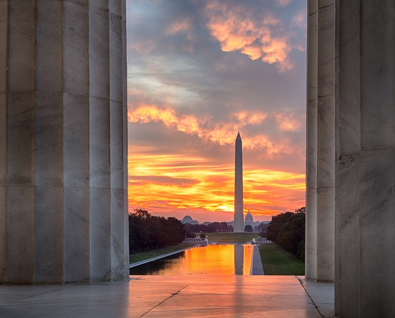 Washington Monument in new reflecting pool by Lincoln Memorial jpg