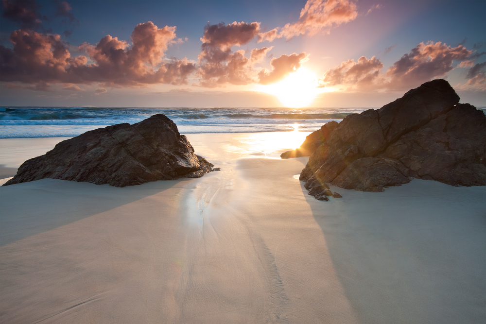australian seascape at sunrise miami beachqueenslandau stralia0