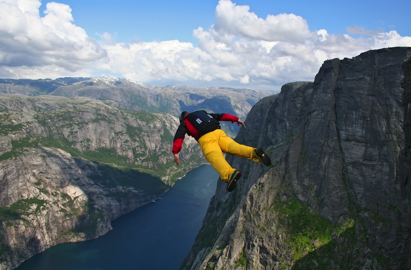 base jumper falling down to the lyse fjord