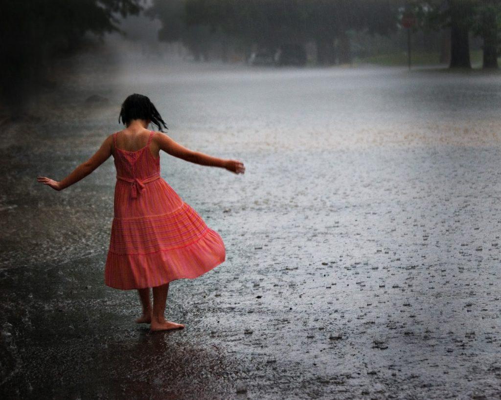 donna pioggia