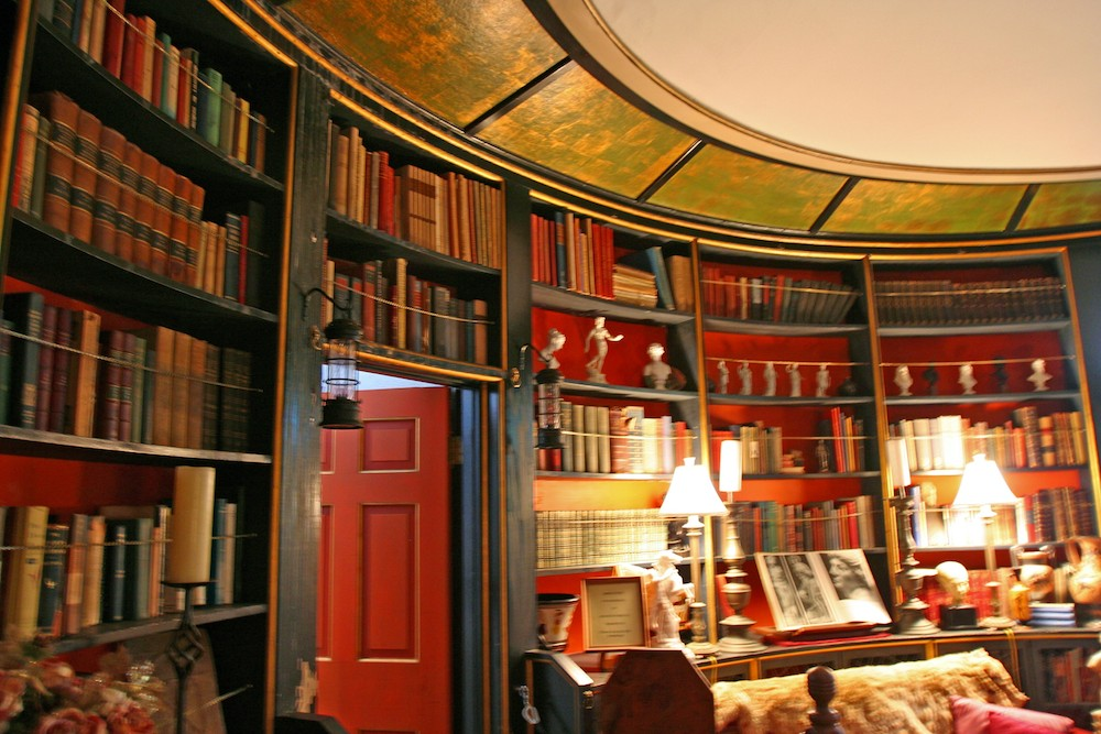 library_ceiling_designed_in_Monticello_style
