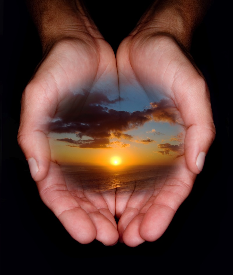 mani con tramonto jpg