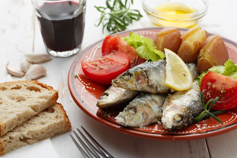 portuguese sardines cooked with sea salt