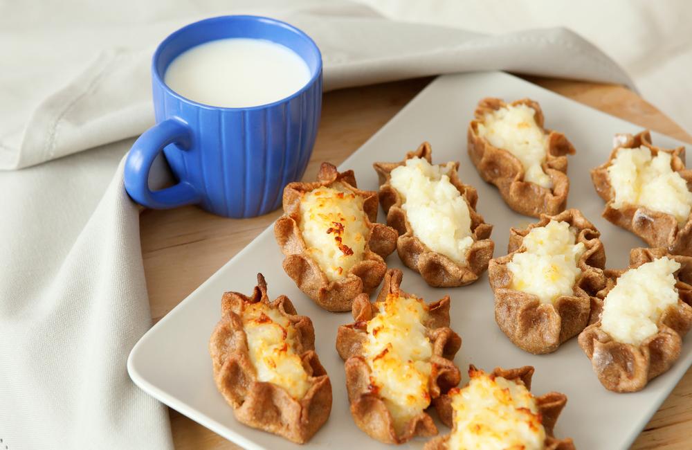 raditional karelian pasties and cup