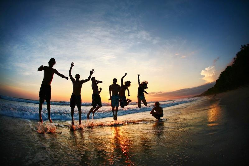 ragazzi spiaggia