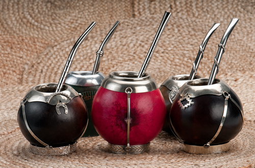 roup of calabash mate cups with straws