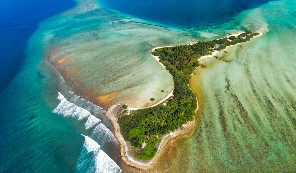 sea island located in Maldives in area of north atollo