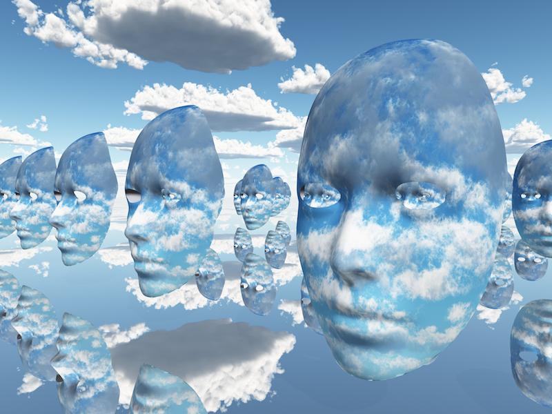 testa nuvole
