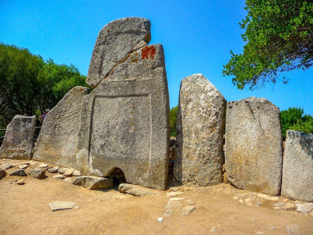 Tombe dei Giganti Coddu Vecchio Arzachena Sardegna 1