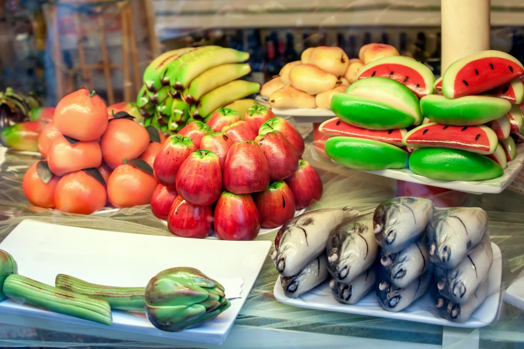 pastry marzipan form fruit fish typical